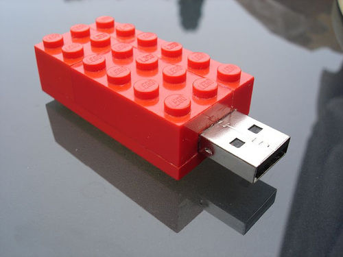 source: http://www.instructables.com/id/Lego-USB-Stick/