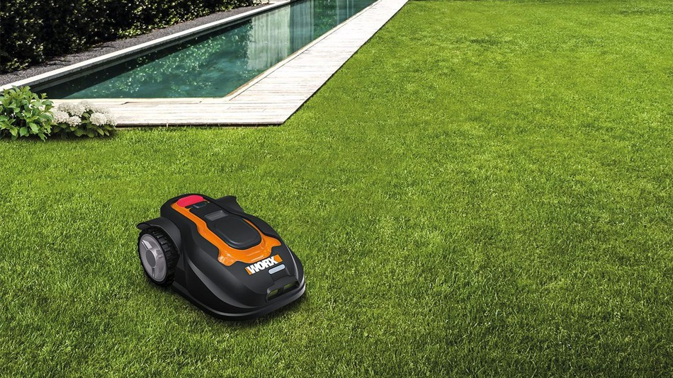 Robotic+Lawn+Mower
