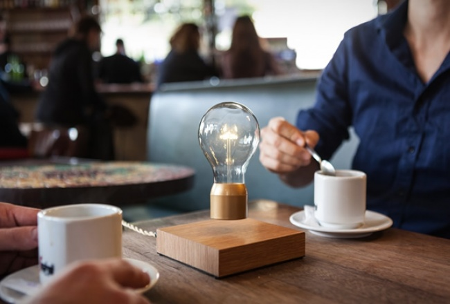 Floating+Light+bulb