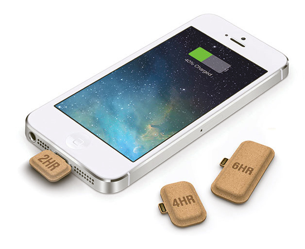 Smallest+Portable+Charger+made+out+of+Cardboard