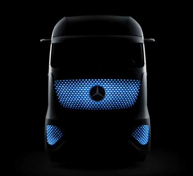 The+Self+Driving+Mercedes-Benz+Future+Truck