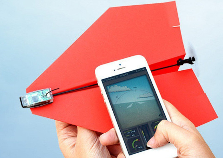 Paper Airplane Controlled with Bluetooth