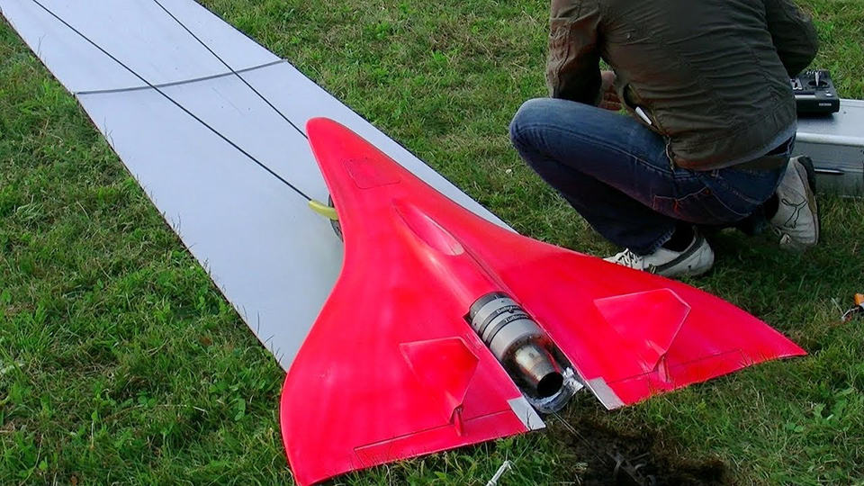 This is the fastest RC plane, the RC Speeder Inferno, about to take off.