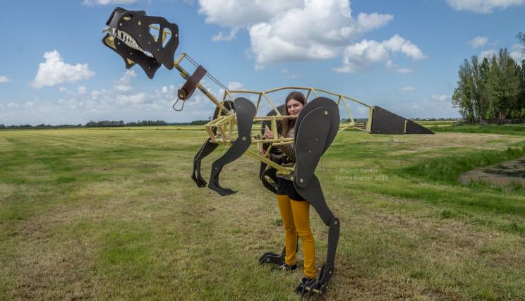 Mechanical+Dinosaur+Costume+Built+By+Student