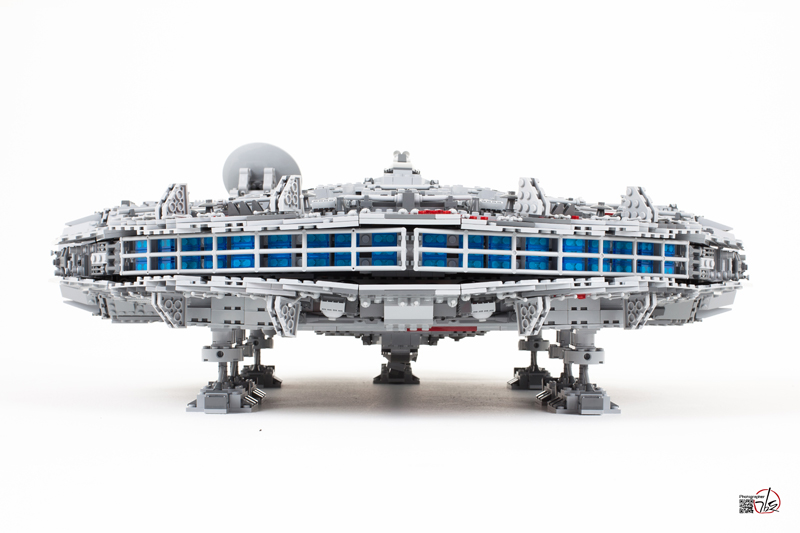 %22LEGO+10179+Ultimate+Collector%27s+Millenium+Falcon%E2%84%A2%22+by+STICK+KIM+is+licensed+under+CC+BY-ND+2.0