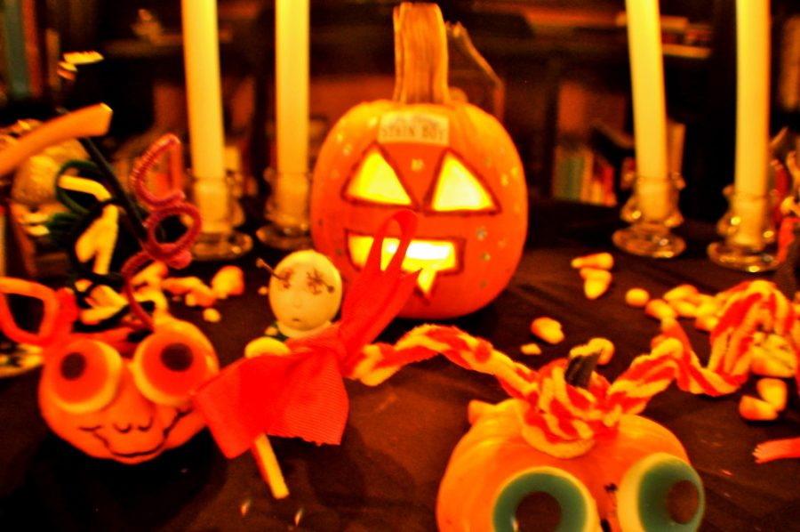 %22Halloween+Decorations%22+by+Studio+Sarah+Lou+is+licensed+under+CC+BY+2.0