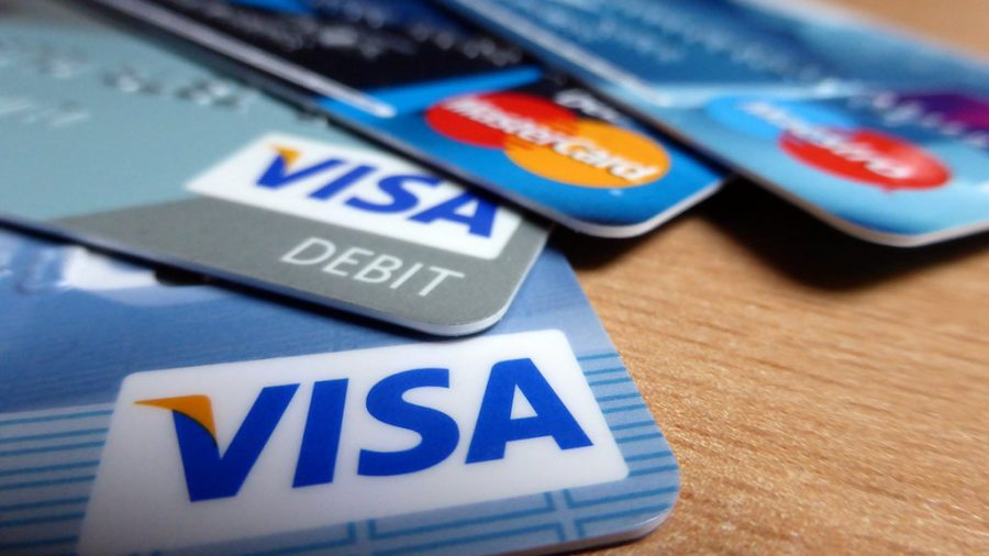%22Credit+Cards%22+by+Sean+MacEntee+is+licensed+under+CC+BY+2.0