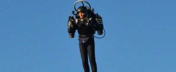 https://www.autoevolution.com/news/man-in-jetpack-flies-into-lax-flight-path-again-this-time-at-6000-feet-150165.html