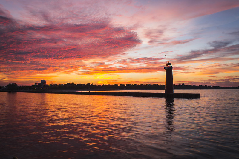 lighthouse breakwater sunset, by https://www.flickr.com/photos/olsonj/ (CC BY-NC 2.0)