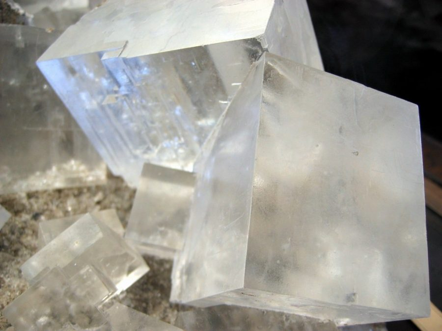 %22Rock+salt+crystals%22+by+w%C5%82odi+is+licensed+under+CC+BY-SA+2.0