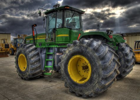 """John Deere 9520"" by haglundc is licensed under CC BY-NC 2.0"