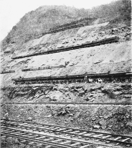 Culebra Cut on the Panama Canal 1902.  Image Source:  Wikipedia.org