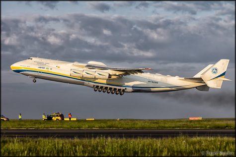 """Antonov An-225"