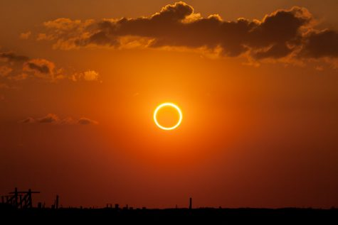 """""""Perfect Ring of Fire - Annular Solar Eclipse"""" by Kevin Baird is licensed with CC BY-NC-ND 2.0. To view a copy of this license, visit https://creativecommons.org/licenses/by-nc-nd/2.0/"""